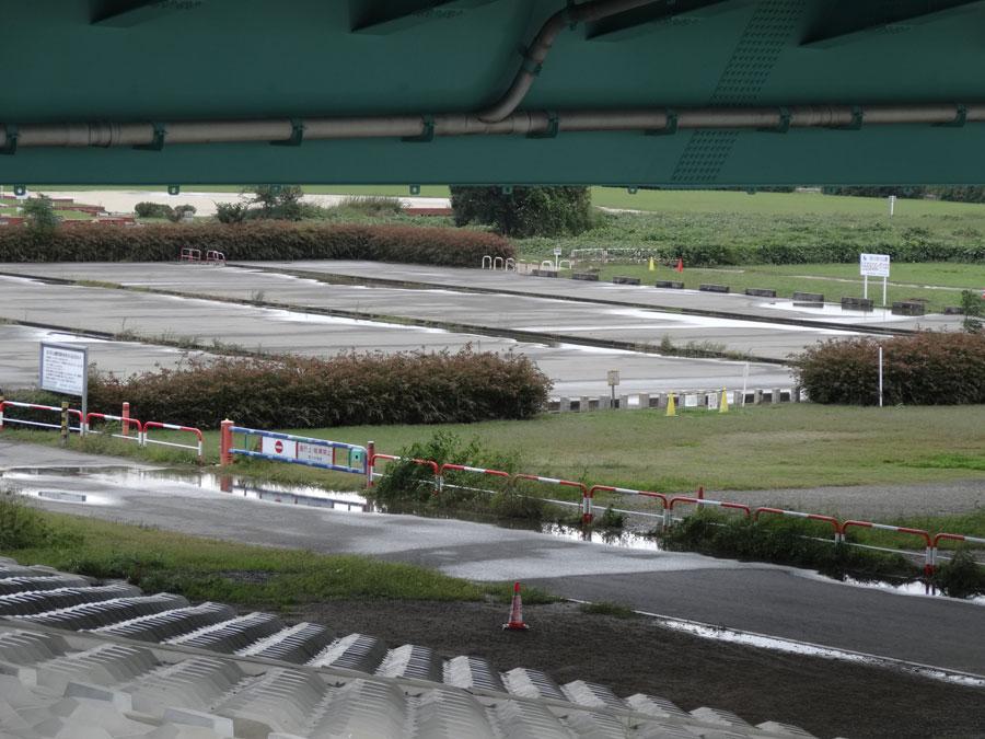 2017.10.22台風21号の影響・10.25の鳥飼下人工芝サッカー場駐車場の様子